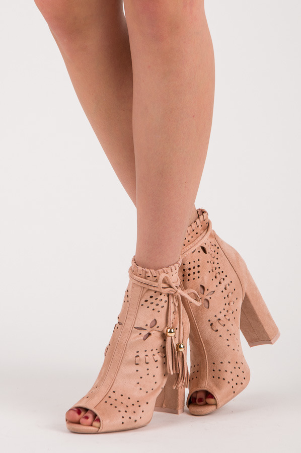 Jarné ružové ažúrové členkové topánky s otvorenou špičkou e1904b5e1c3