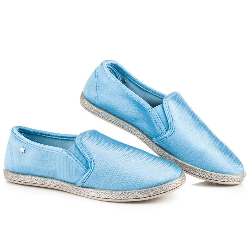 335423733e Krásne modré dámske tenisky v lesklom prevedení