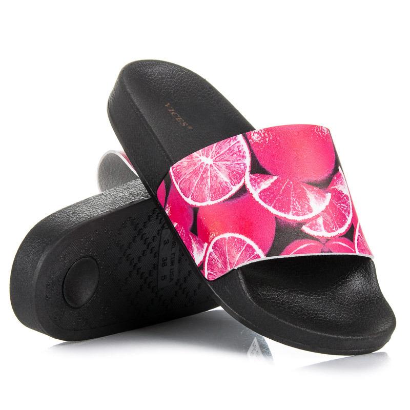 e6e79bd0b8 Štýlové čierno-ružové šlapky s peknou potlačou
