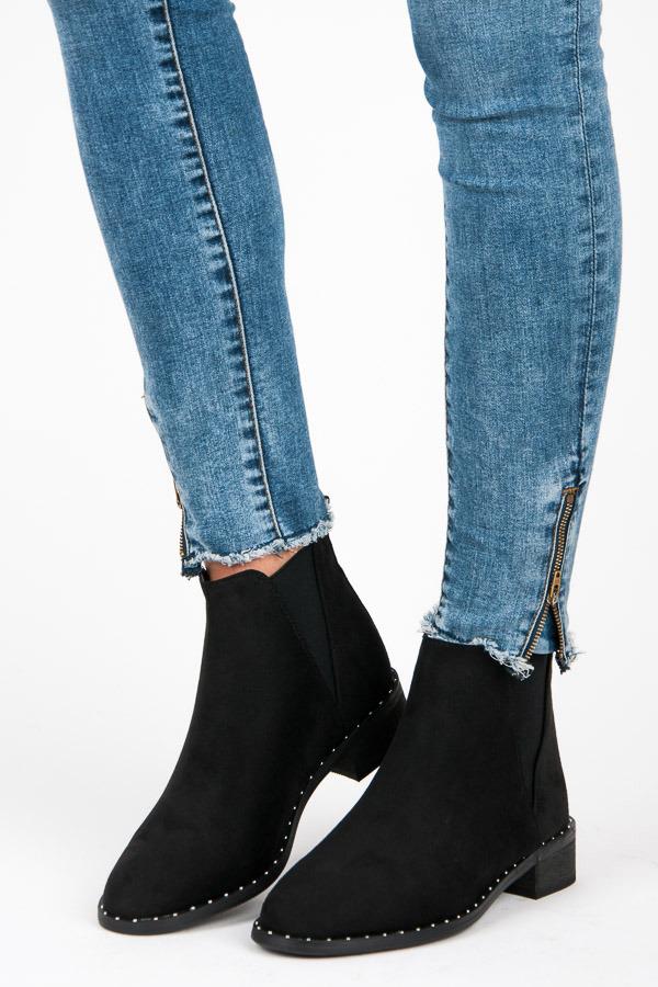 Ľahké čierne nízke kotníkové topánky s elastickými vsadkami  ed8bc1716ef