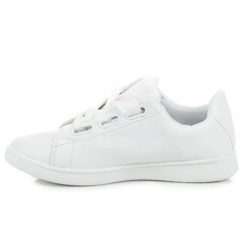 bab0f5ffb3 Biele tenisky viazané saténovou stužkou