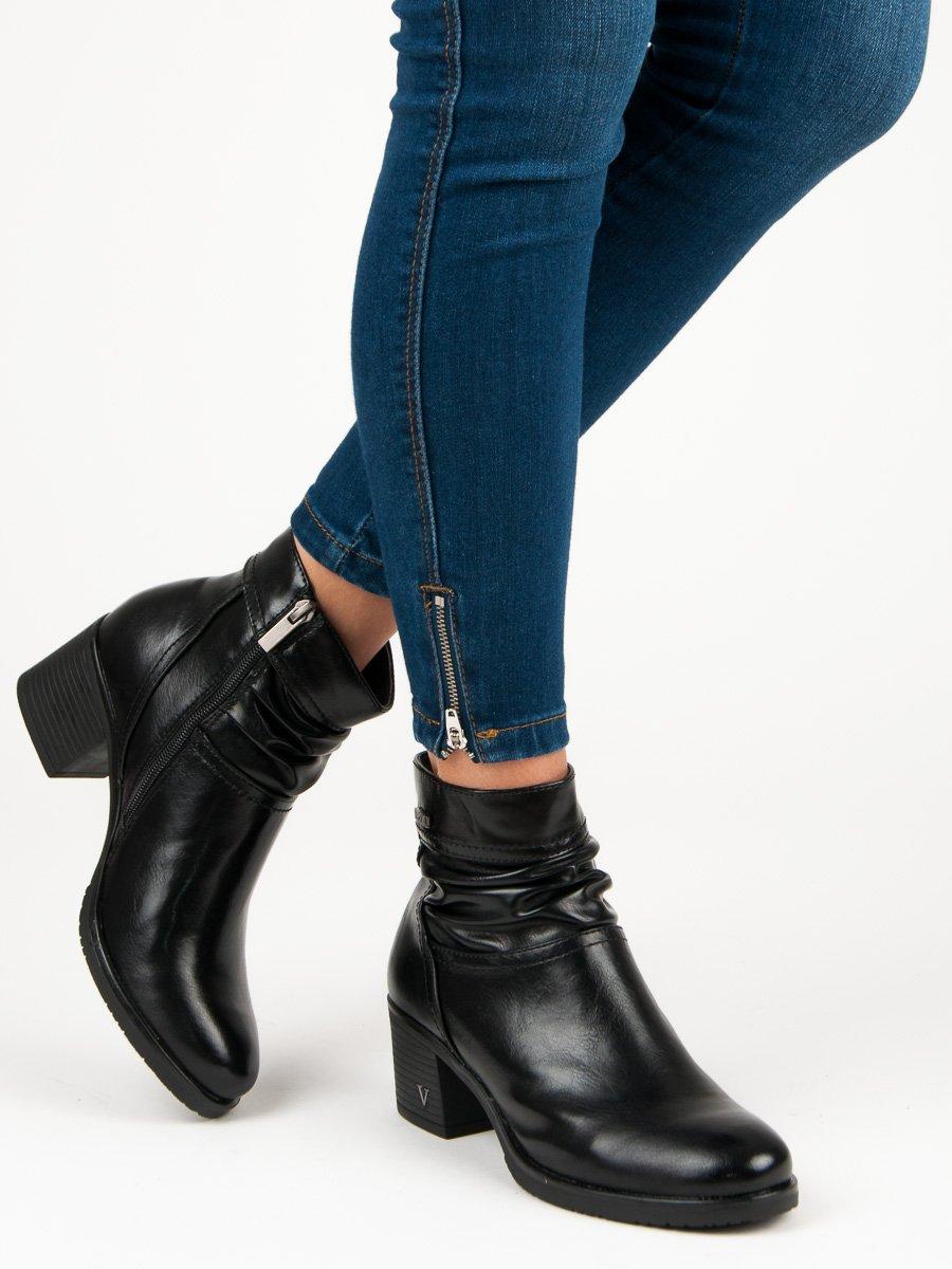 Čierne členkové topánky na podpätku 9f5274b3ae4