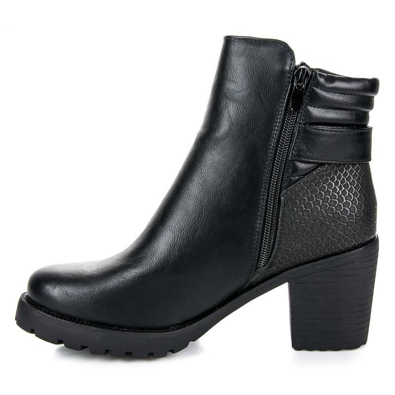 47b40acafd36 Čierne vysoké členkové topánky a platforme a podpätku
