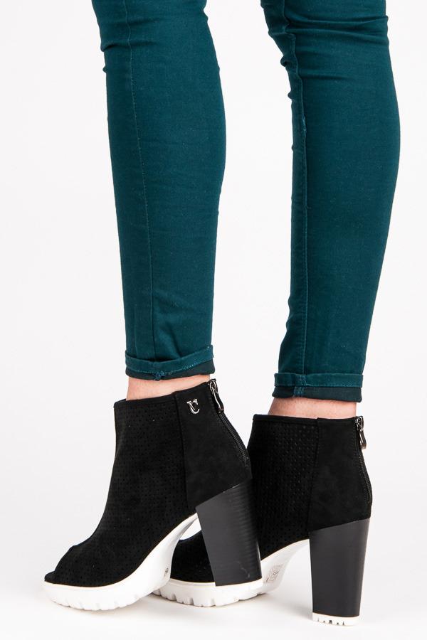 Dámske čierne azúrové topánky Open Toe