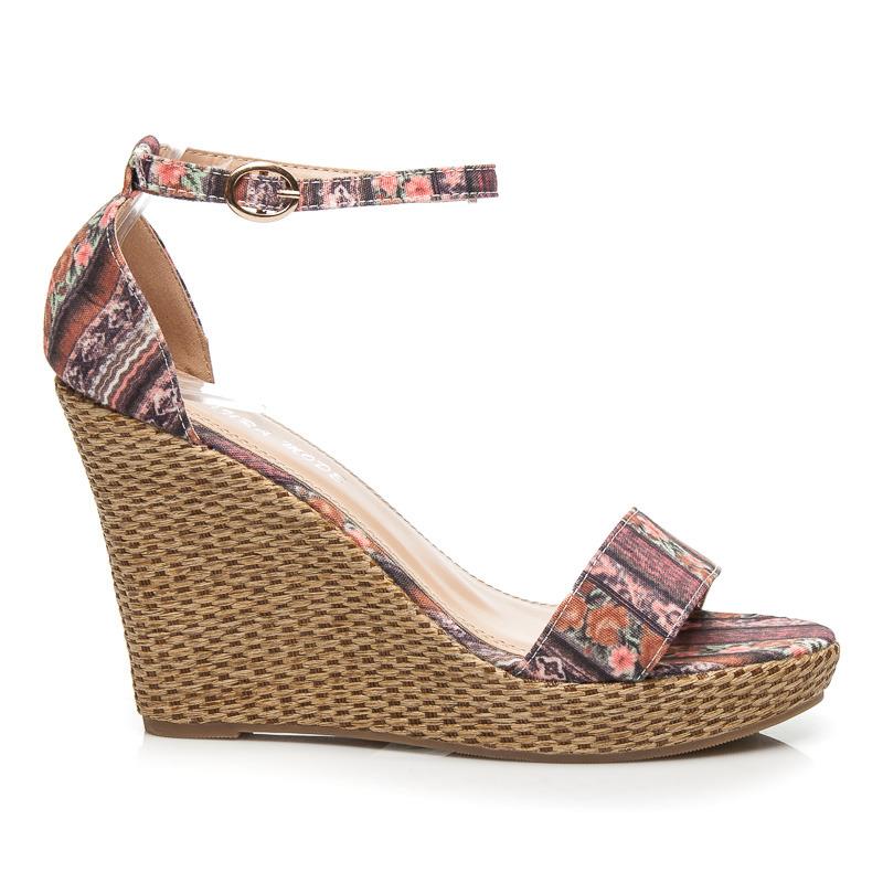 38b27fa86510 Dámske efektné hnedé sandále na platforme s klinom
