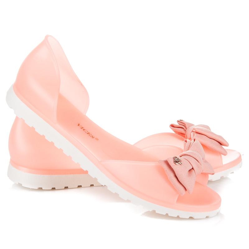 c725e3707cbb Dokonalé lososovej gumové sandále s mašľou