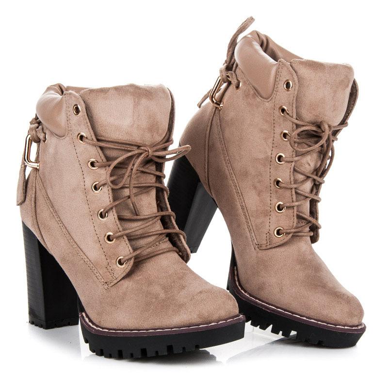 8c526f8d3f97 Dokonalé šnurovacie béžové členkové topánky na podpätku