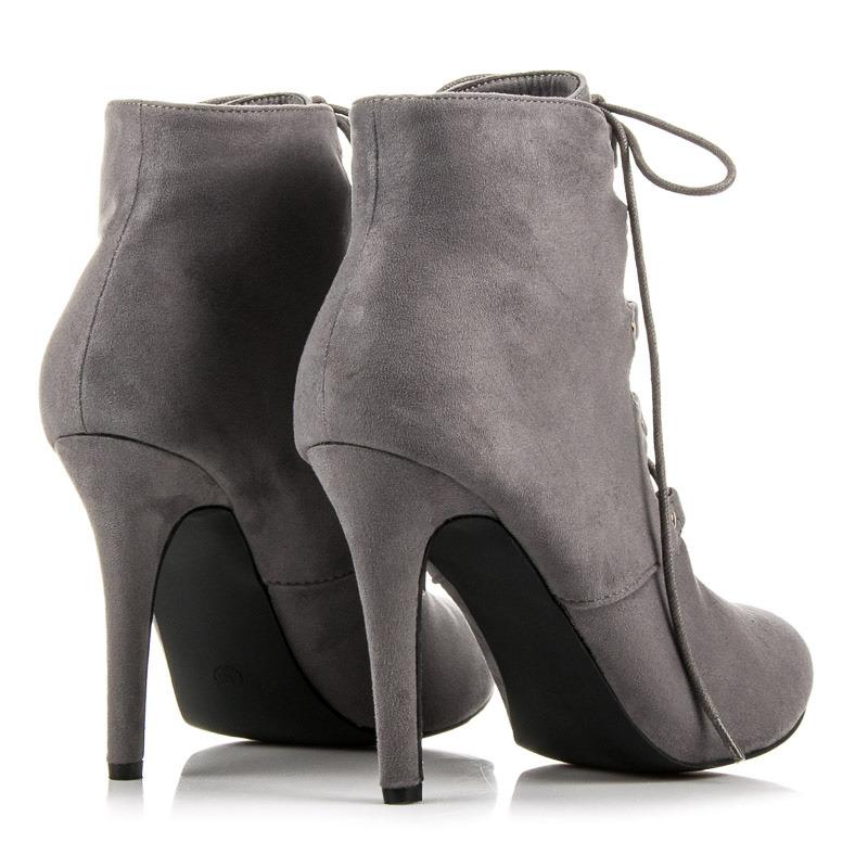 504fd839d2 Dokonalé šnurovacie šedé členkové topánky na ihličkovom podpätku ...