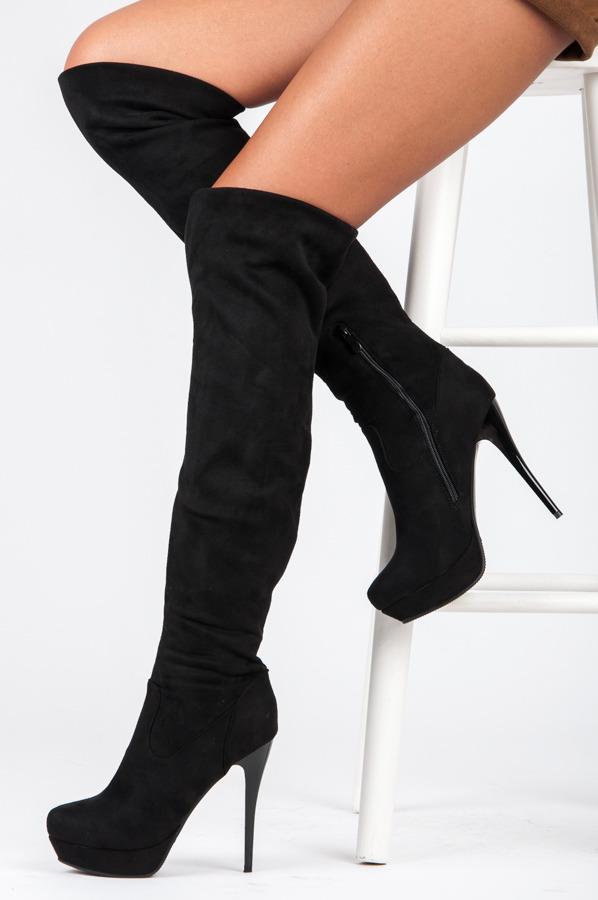 06a46ccfde1c Efektné čierne vysoké čižmy nad kolená s ihlovým podpätkom