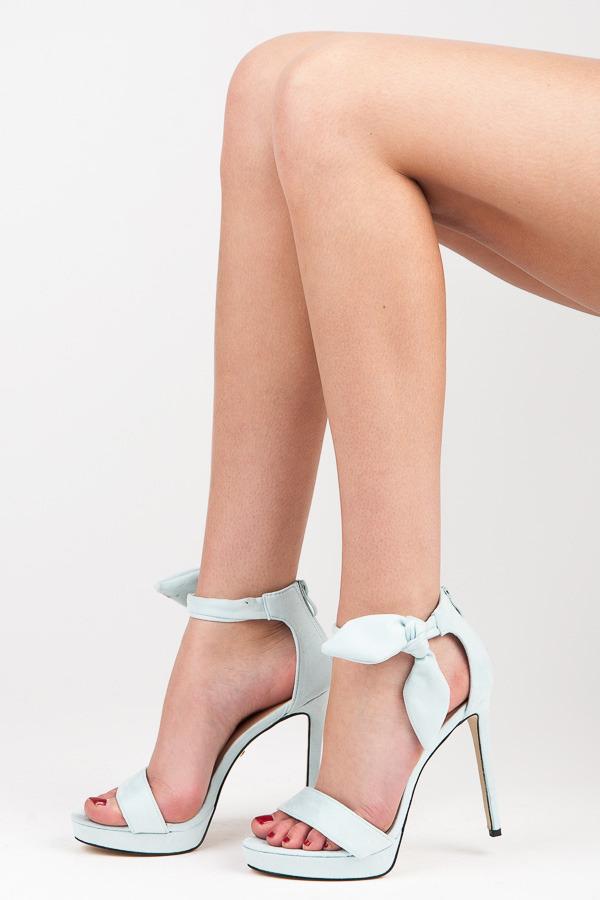 8e9ef79715d8 Efektné modré sandále na vysokom ihlovom podpätku