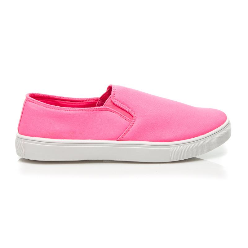 83718bd822888 Efektné ružové dámske nízke tenisky z textilného materiálu   AMIATEX.sk