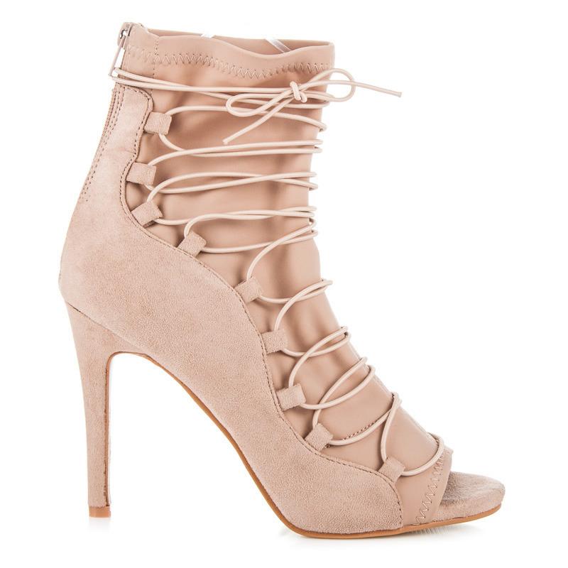 588036170 Elegantné béžové letné členkové topánky s efektným viazaním | AMIATEX.sk