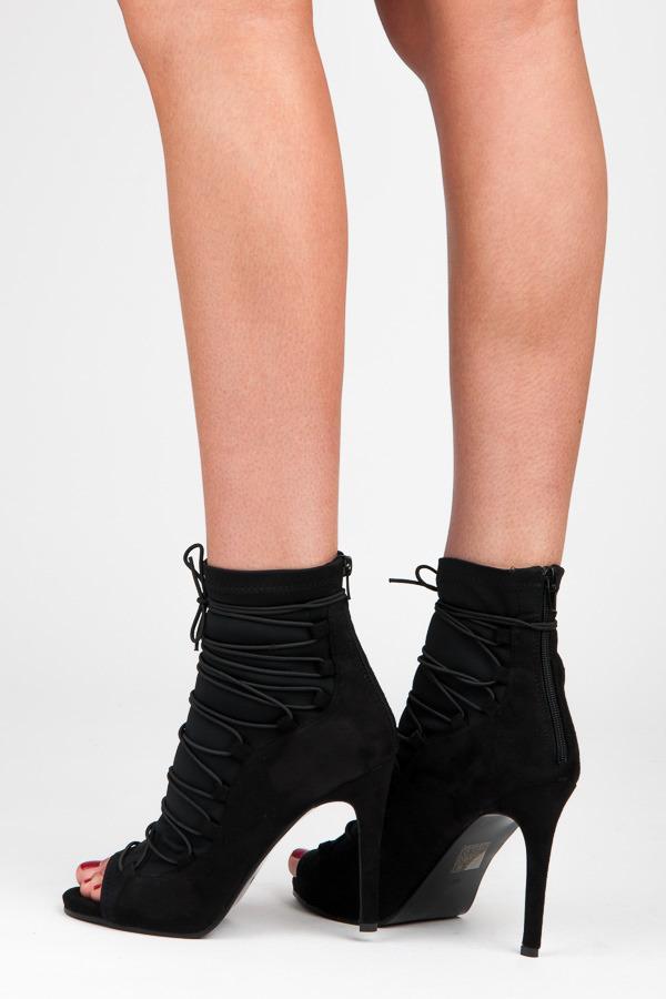 bc7c596d0 Elegantné čierne letné členkové topánky s efektným viazaním | AMIATEX.sk