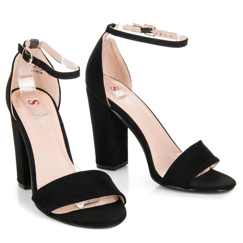 284849e0a74c Elegantné čierne sandále na vysokom podpätku