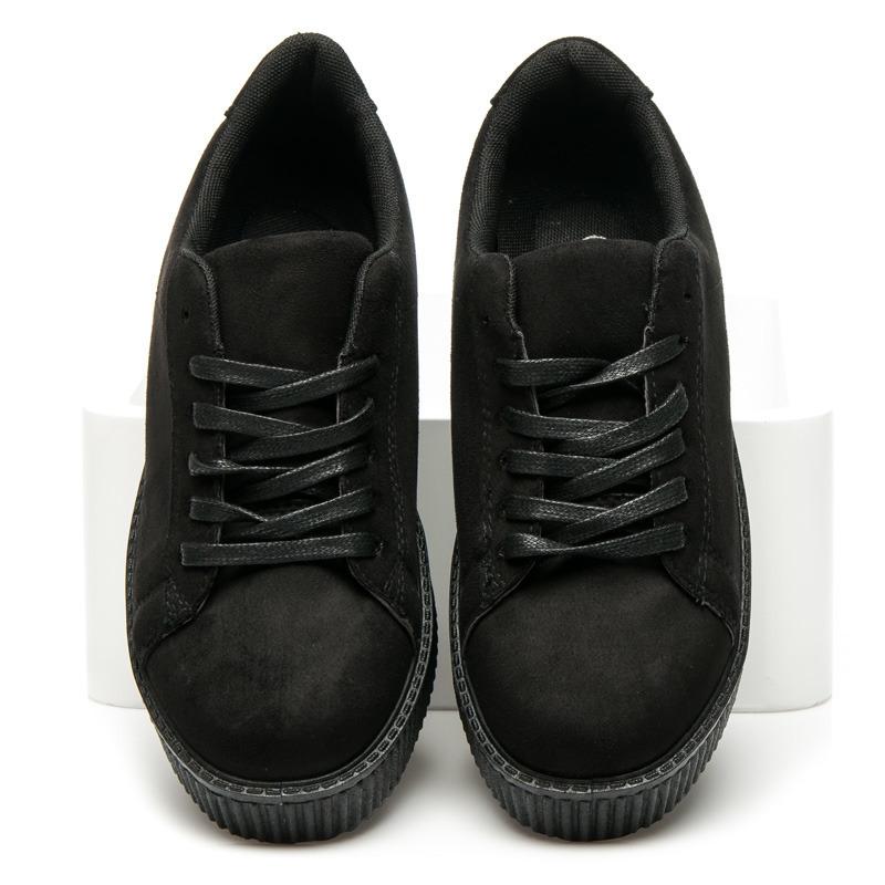 04384393da84 Elegantné čierne semišové tenisky na vyššej platforme