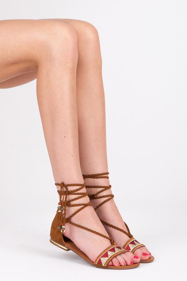 75213039e3ba Hnedé dierované sandále so šnurovaním
