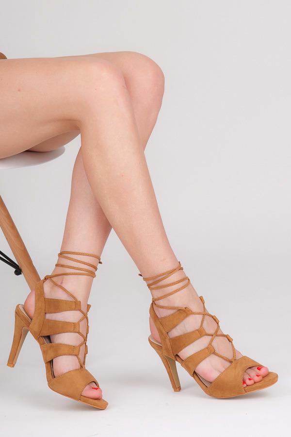230bb0d54df1 Impozantný hnedé sandále na šnurovanie