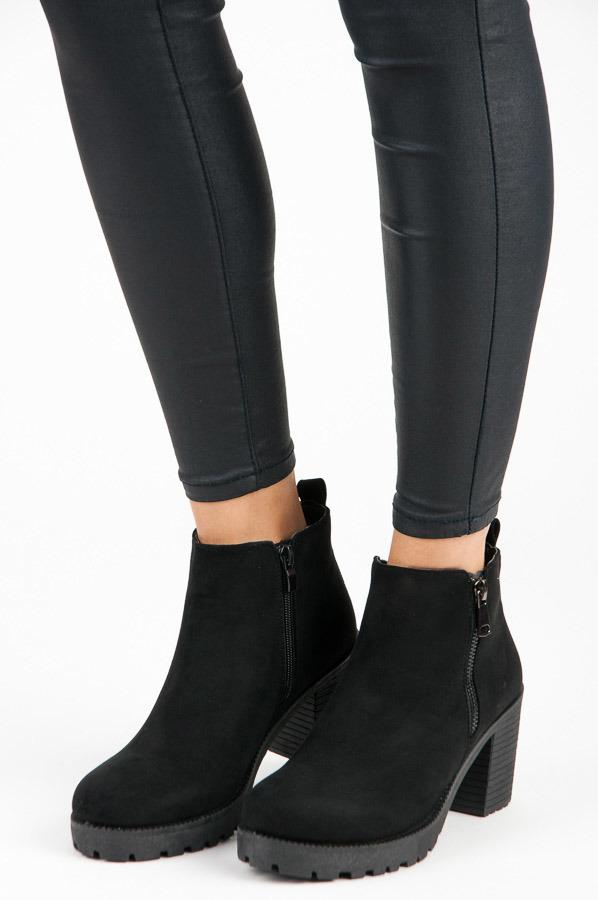 4a9c10dbc1c62 Jesenné čierne členkové topánky na podpätku | AMIATEX.sk