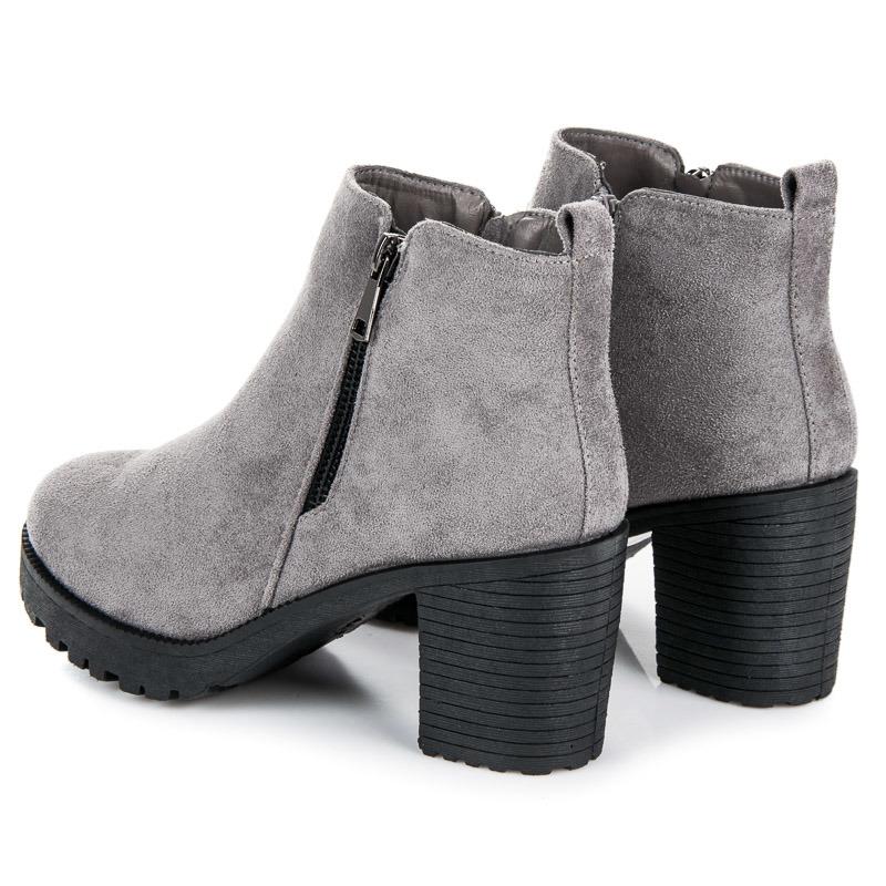 22f986b013 ... Jesenné šedé členkové topánky na podpätku