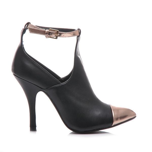 Krásne čierne členkové topánky s zdobenou špicou