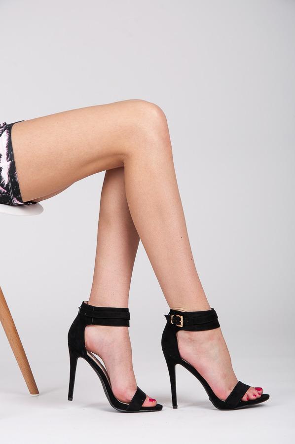 8a5eafc06b383 Letné a sexi čierne dámske sandále | AMIATEX.sk