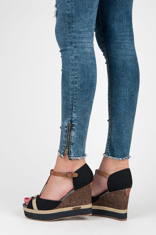 2e654e683c99d Letné čierne sandále na kline | AMIATEX.sk
