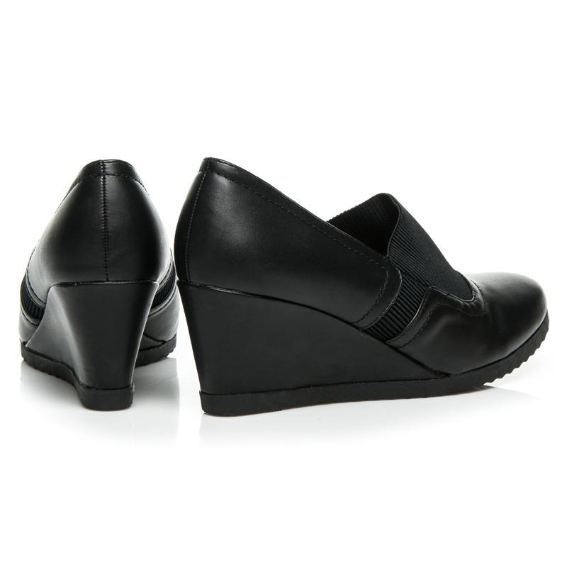 0985b3a457 ... Luxusné čierne dámske poltopánky na platforme