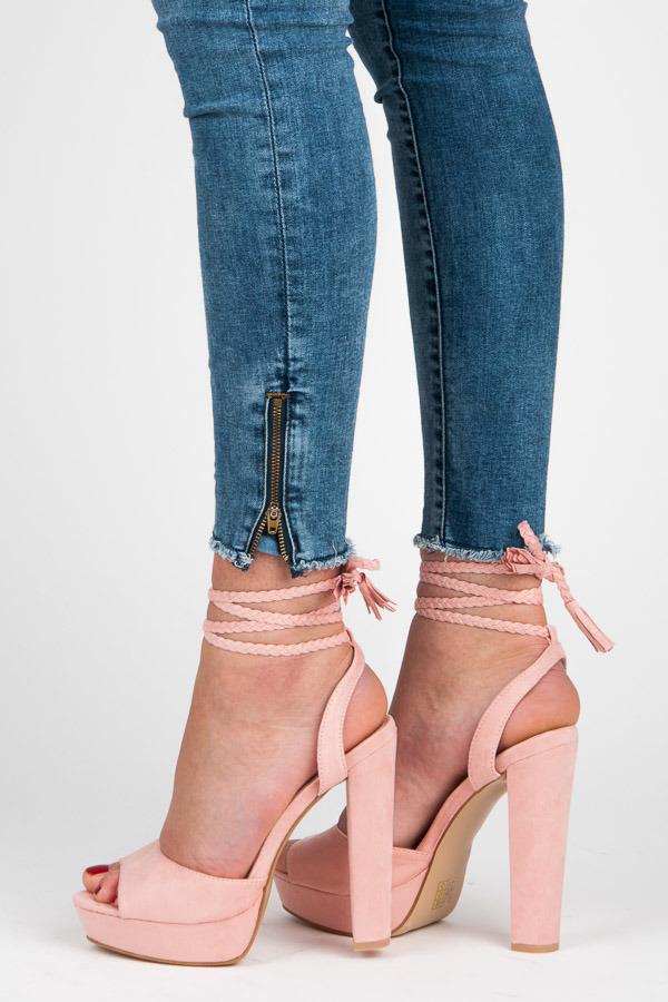 5e63033f3b Luxusné ružové sandálky s viazaním