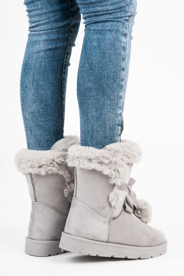 d14f67ddc0b42 Luxusné šedé snehule s kožušinkou a brmbolcami | AMIATEX.sk