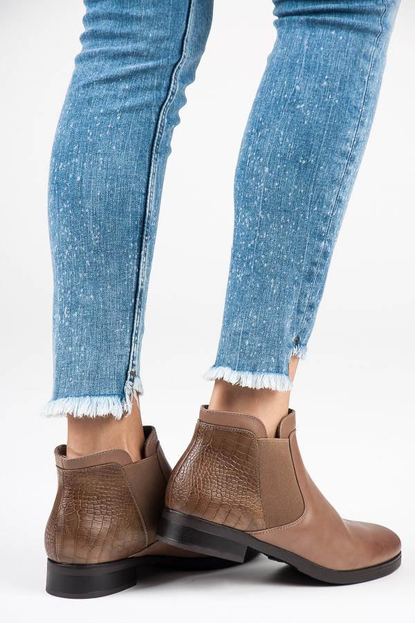 6d018437fcac Módne béžové nazúvacie členkové topánky