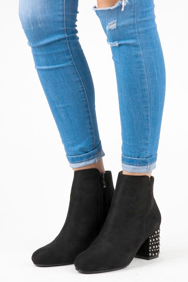 55a885bfa Módne čierne členkové topánky s kamienkami na podpätku | AMIATEX.sk