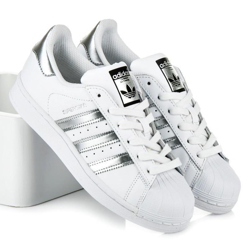 Nádherné biele tenisky na šnurovanie Adidas  ccef0d26780