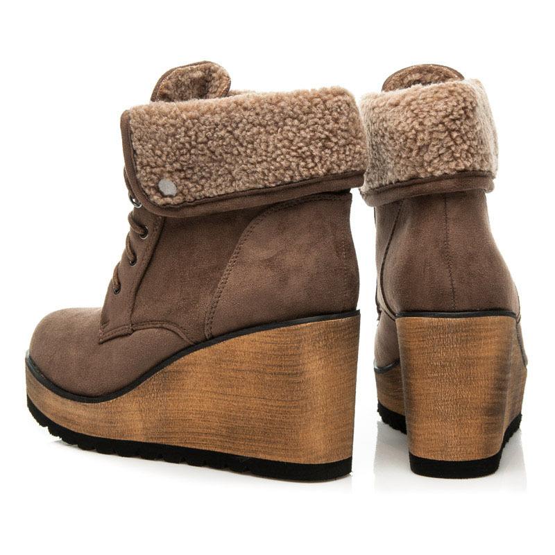 d1f89f0905fef Netradičné khaki členkové topánky s kožušinkou, na kline | AMIATEX.sk