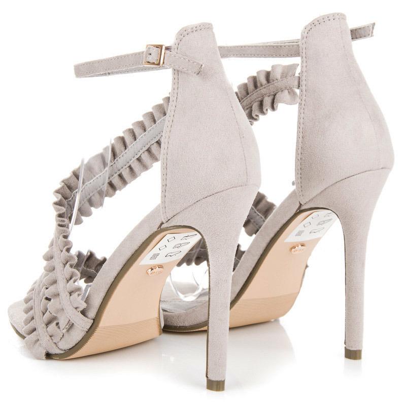 ... Originálne riešené šedé sandále na ihličkovom podpätku f5803e55d4d