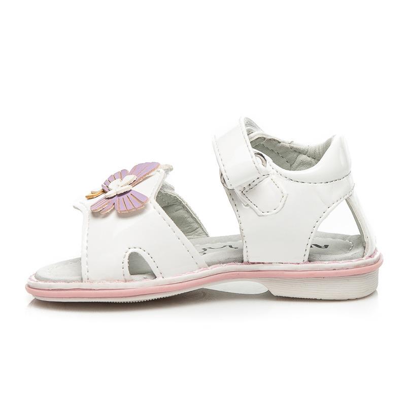 f2236d36edb9 Pôvabné lakované detské biele sandálky