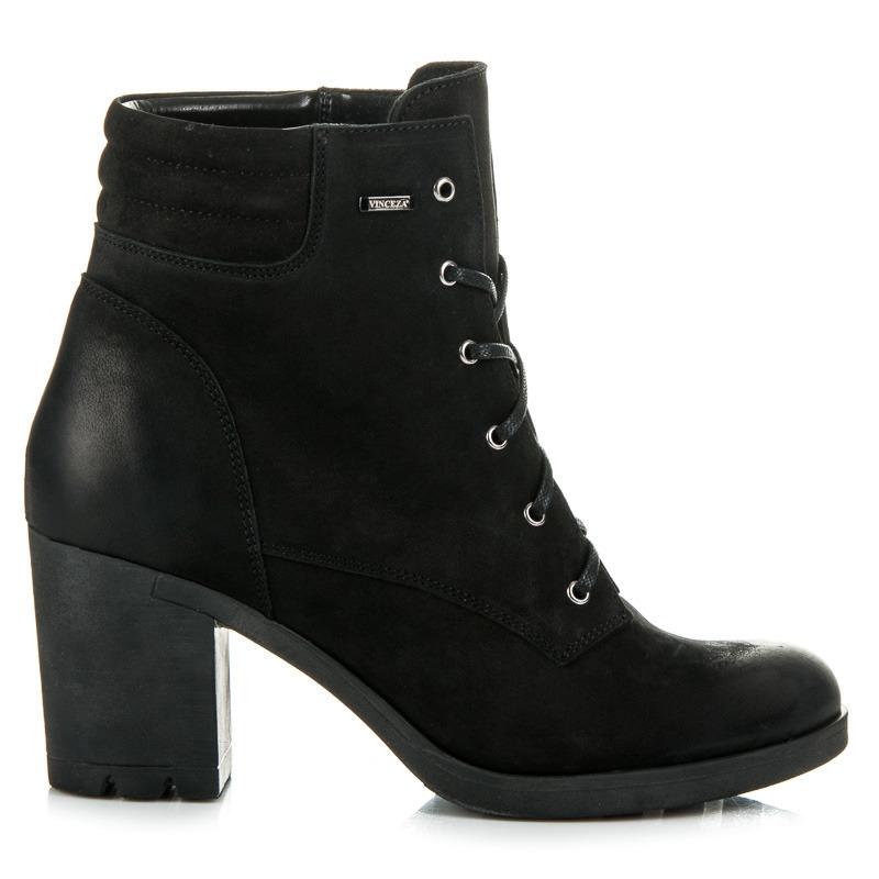 1d7ea7761892 Parádne čierne kožené členkové topánky na šnurovanie