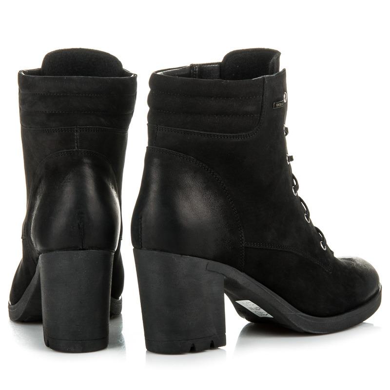 0b9712fe7f4a ... Parádne čierne kožené členkové topánky na šnurovanie ...