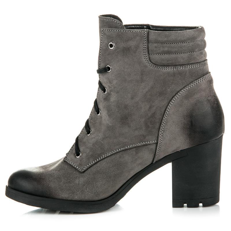 fbdd50162626 Parádne šedé kožené členkové topánky na šnurovanie