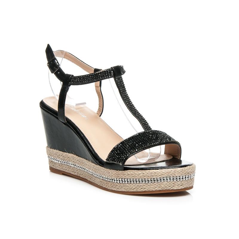 7e5c48323cc2 Parádny čierne sandále s kamienkami na platforme