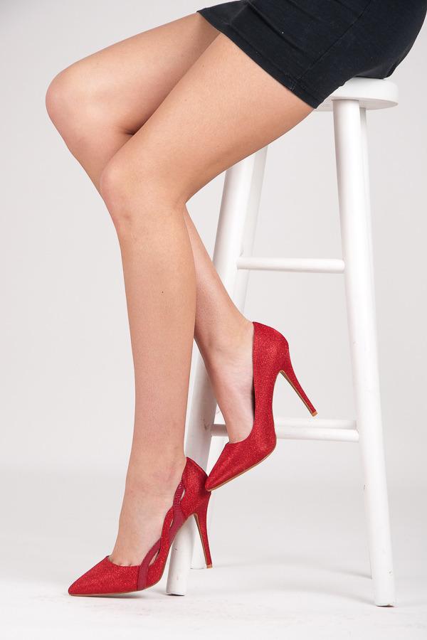 Pekné dámske lodičky - červené trblietavé  f46e066fdc