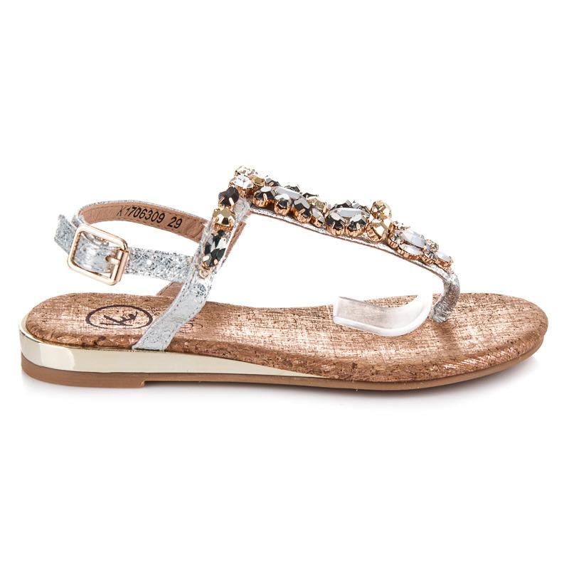 a8a35b5265f99 Pekné strieborné detské sandálky s kamienkami | AMIATEX.sk