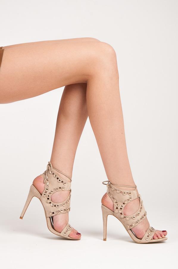 499ea40d5994 Perfektné béžové sandále na podpätku