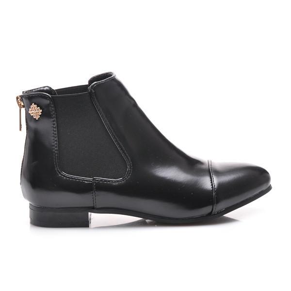 Perfektné čierne členkové topánky s elastickými vsadkami