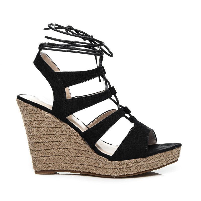 fcd57cb83c3f Perfektné dámske čierne sandále na platforme