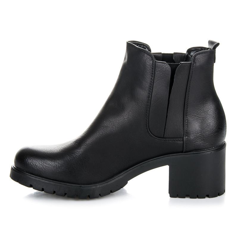 Pohodlné čierne členkové topánky na podpätku  cd822803120
