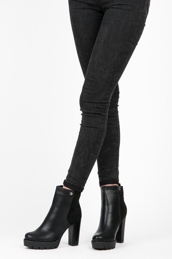 d4c2d472d13 Pohodlné čierne členkové topánky na stĺpcovom podpätku