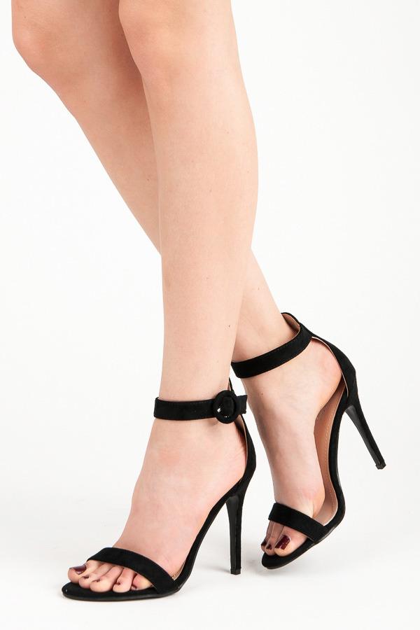 8f6a6cad2cfd Rozkošné čierne sandále na vysokej ihle