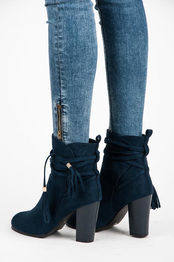 Semišové tmavo modré členkové topánky s viazaním  97a9e981d9d