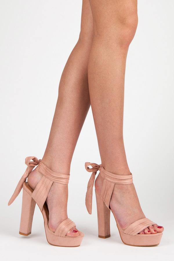 4eed22c0db6f Sexy telové sandále s efektným viazaním