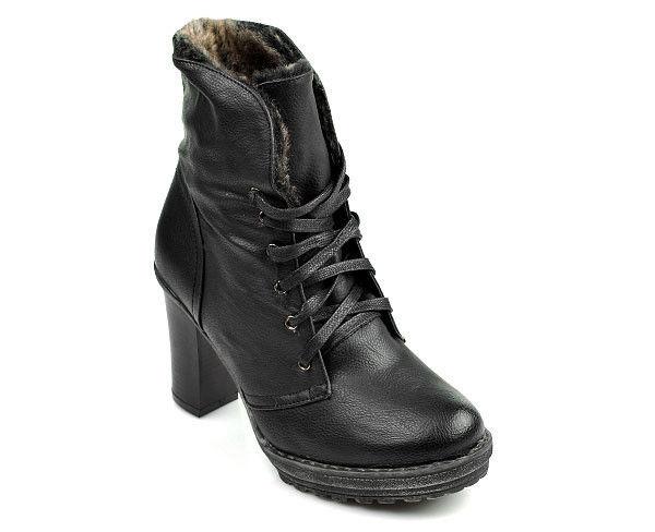 Skvelé čierne členkové topánky s chundelatým kožúškom